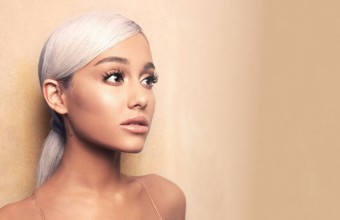 To νέο album της Ariana Grande στην κορυφή του Billboard 200