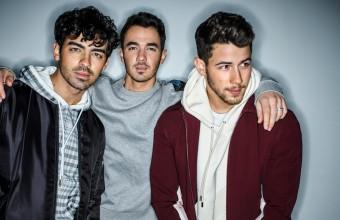 Οι Jonas Brothers στην κορυφή του Billboard 100