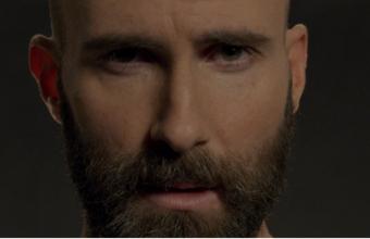 "To νέο video των Maroon 5 για το ""Memories"" κρύβει ένα συγκινητικό μήνυμα"