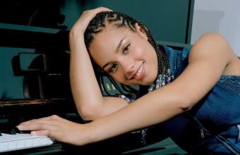 Η Alicia Keys γιορτάζει τα 20 χρόνια του «Songs In A Minor» με μια επετειακή επανέκδοση!