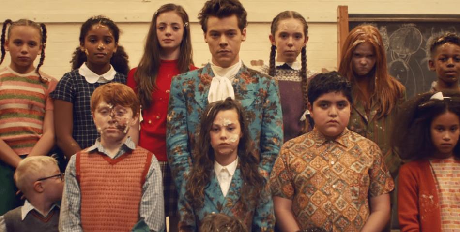 """Κυκλοφόρησε το νέο βίντεο κλιπ του Harry Styles """"Kiwi""""!"""