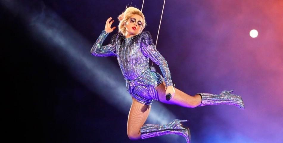 Lady Gaga: Το show στο «Super Bowl» γράφει ιστορία στα βραβεία Emmy