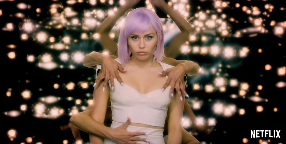 Η Miley Cyrus στο trailer της  5η σεζόν του «Black Mirror»