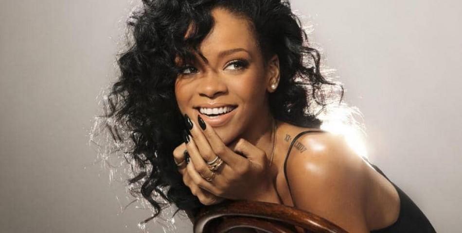H Rihanna είναι η πλουσιότερη τραγουδίστρια του κόσμου